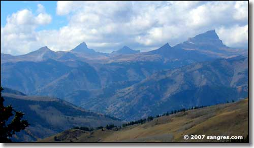 Uncompahgre Peak from Slumgullion Pass summit