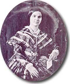 female pioneer on the oregon trail