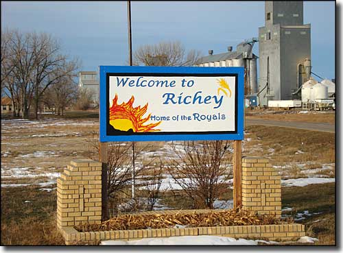 Welcome to Richey, Montana