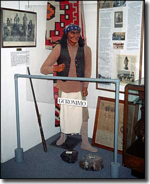 Statue of Geronimo at Geronimo Springs Museum