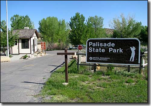 The entry to Palisade State Park